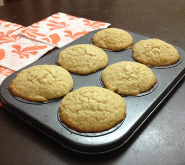 Best Moist Vanilla Cupcake Recipe – My Weekend Indulgence